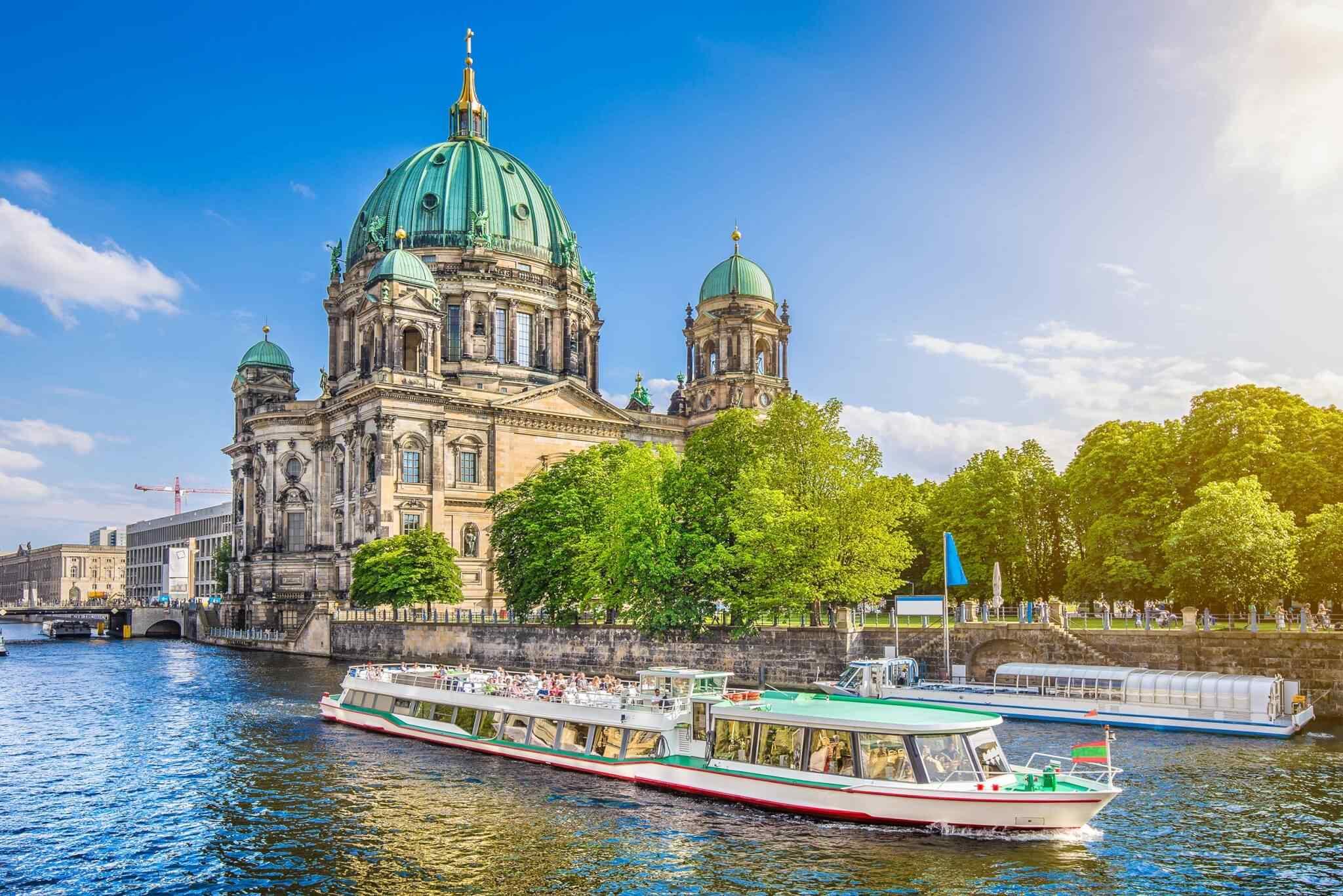 https://www.lukart.cz/wp-content/uploads/2018/09/destination-berlin-02.jpg