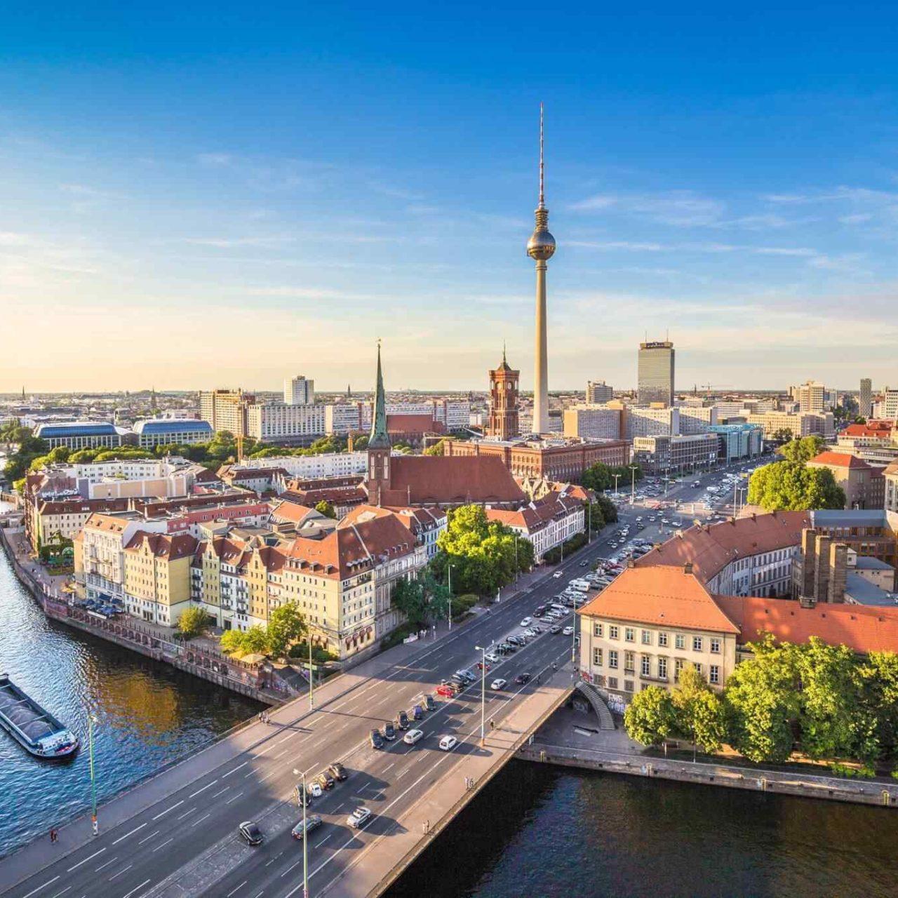 https://www.lukart.cz/wp-content/uploads/2018/09/destination-berlin-05-1280x1280.jpg